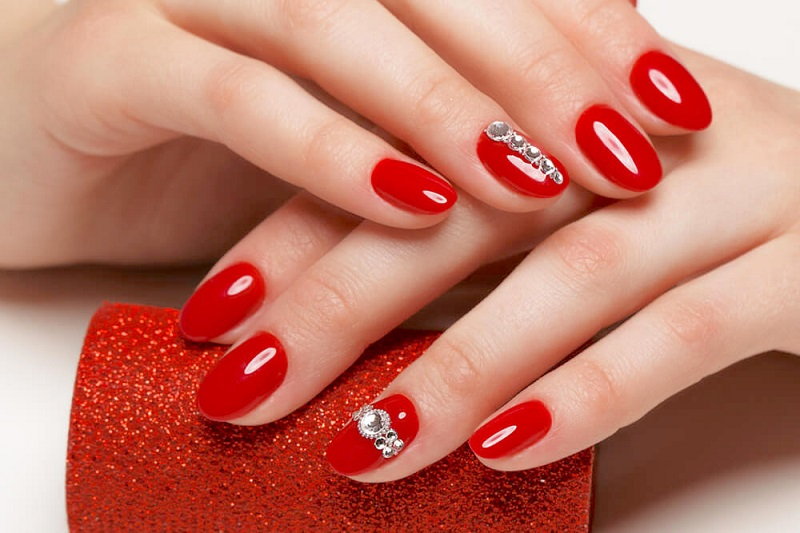 RED NAILS: NAIL ART IDEAS AND SOME TIPS TO MATCH THEM